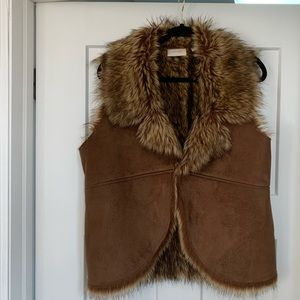 Chico's faux fur & suede vest, hook and eye close